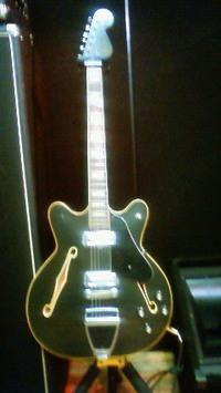 Fender_usa_coronado